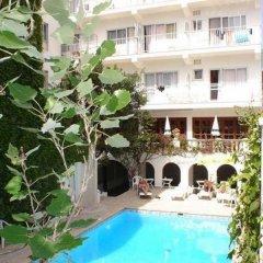 Отель Hostal Cas Bombu бассейн фото 3