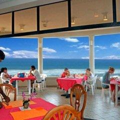 Отель Oasey Beach Resort Шри-Ланка, Бентота - отзывы, цены и фото номеров - забронировать отель Oasey Beach Resort онлайн гостиничный бар