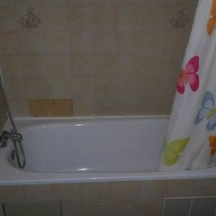 Отель Les Jardins d'Asnières ванная