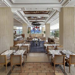 Hilton Istanbul Bosphorus Турция, Стамбул - 5 отзывов об отеле, цены и фото номеров - забронировать отель Hilton Istanbul Bosphorus онлайн питание фото 2