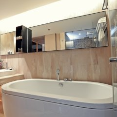 Отель Arcadia Suites Bangkok Бангкок ванная фото 2