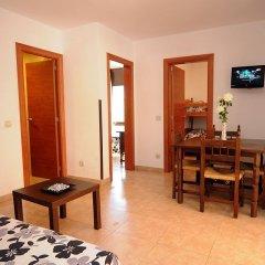 Отель Apartamentos AR Family Caribe Испания, Льорет-де-Мар - отзывы, цены и фото номеров - забронировать отель Apartamentos AR Family Caribe онлайн комната для гостей фото 5