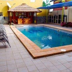 Отель Jorany Hotel Нигерия, Калабар - отзывы, цены и фото номеров - забронировать отель Jorany Hotel онлайн бассейн