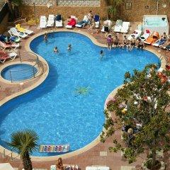 Esplai Hotel бассейн