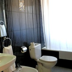 Отель Hostal Bonavista Испания, Бланес - 1 отзыв об отеле, цены и фото номеров - забронировать отель Hostal Bonavista онлайн ванная