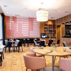 Отель Sheraton Poznan Hotel Польша, Познань - отзывы, цены и фото номеров - забронировать отель Sheraton Poznan Hotel онлайн гостиничный бар