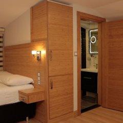Demir Suite Hotel сейф в номере