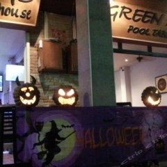 Green Mango Guesthouse - Hostel интерьер отеля
