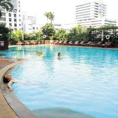 Отель Novotel Bangkok On Siam Square бассейн