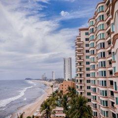 Отель Park Inn by Radisson Mazatlán пляж