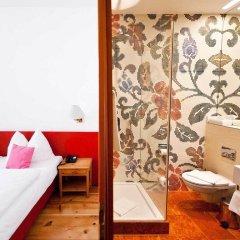 Отель Altstadthotel Wolf Зальцбург комната для гостей фото 2