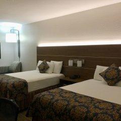 Отель Charter Inn and Suites комната для гостей фото 3
