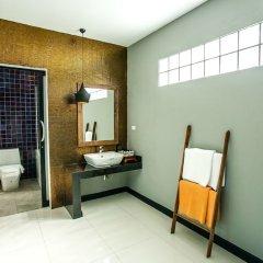 Отель Himaphan Boutique Resort ванная фото 3