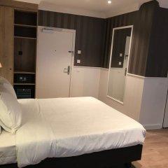 Hans Memling Hotel сейф в номере