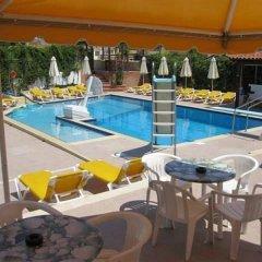 Отель Amazones Sun Studios бассейн