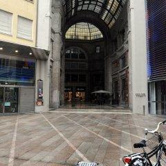 Отель IH Hotels Milano Ambasciatori парковка