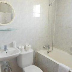 Отель Sweet Memories Hotel Apts Кипр, Протарас - отзывы, цены и фото номеров - забронировать отель Sweet Memories Hotel Apts онлайн ванная