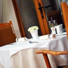 Отель White Horse Complex Болгария, Тырговиште - отзывы, цены и фото номеров - забронировать отель White Horse Complex онлайн питание фото 3