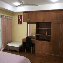 Апартаменты Baan Somprasong Apartment - Na Jomtien На Чом Тхиан удобства в номере