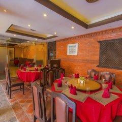 Отель OYO 235 Hotel Goodwill Непал, Лалитпур - отзывы, цены и фото номеров - забронировать отель OYO 235 Hotel Goodwill онлайн питание