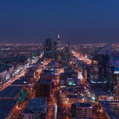 Отель Four Seasons Hotel Riyadh Саудовская Аравия, Эр-Рияд - отзывы, цены и фото номеров - забронировать отель Four Seasons Hotel Riyadh онлайн городской автобус
