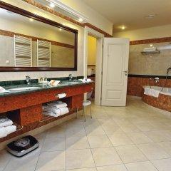CARLSBAD PLAZA Medical Spa & Wellness hotel ванная