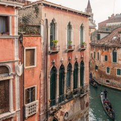 Отель La Fenice Theatre Exclusive Flat Италия, Венеция - отзывы, цены и фото номеров - забронировать отель La Fenice Theatre Exclusive Flat онлайн балкон