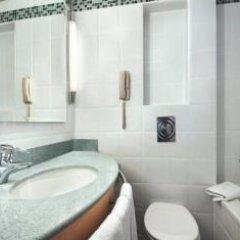 Отель Hilton Düsseldorf 5* Стандартный номер разные типы кроватей фото 10