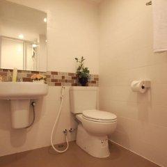 Отель Sakul House Таиланд, Бангкок - отзывы, цены и фото номеров - забронировать отель Sakul House онлайн ванная