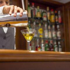 Hotel Miramare Чивитанова-Марке гостиничный бар