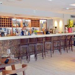 Отель Arbor City гостиничный бар