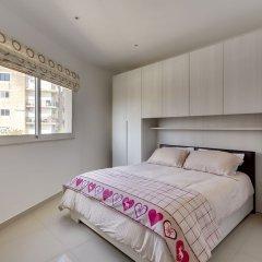 Отель Luxury 2 Bedroom Penthouse in St Julians Мальта, Сан Джулианс - отзывы, цены и фото номеров - забронировать отель Luxury 2 Bedroom Penthouse in St Julians онлайн комната для гостей фото 3