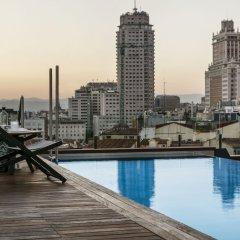 Отель Gran Melia Palacio De Los Duques бассейн фото 2