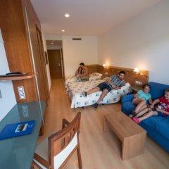 Отель Blaucel Испания, Бланес - 1 отзыв об отеле, цены и фото номеров - забронировать отель Blaucel онлайн комната для гостей фото 3