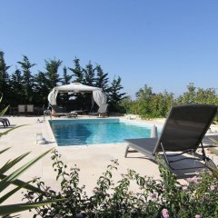 Отель Villa Abelos Греция, Галатси - отзывы, цены и фото номеров - забронировать отель Villa Abelos онлайн бассейн фото 3