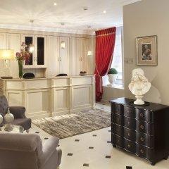 Отель Hôtel des Comédies сауна