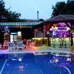 Majestic Hotel Турция, Олудениз - 5 отзывов об отеле, цены и фото номеров - забронировать отель Majestic Hotel онлайн бассейн фото 3