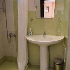 Отель Bon Bon Hotel Болгария, София - отзывы, цены и фото номеров - забронировать отель Bon Bon Hotel онлайн ванная фото 2