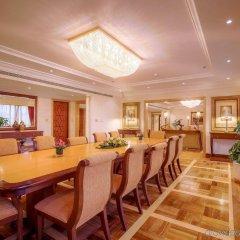 Отель CORNICHE Абу-Даби питание фото 2
