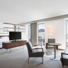 Отель Four Points by Sheraton Bolzano Больцано комната для гостей фото 4