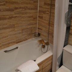 Отель Royal Elysées Франция, Париж - 3 отзыва об отеле, цены и фото номеров - забронировать отель Royal Elysées онлайн ванная фото 2