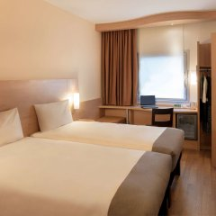 Отель Ibis Izmir Alsancak комната для гостей