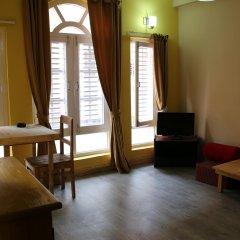 Отель Kathmandu CityHill Studio Apartment Непал, Катманду - отзывы, цены и фото номеров - забронировать отель Kathmandu CityHill Studio Apartment онлайн комната для гостей фото 2