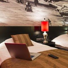 Отель Bastion Hotel Amsterdam Airport Нидерланды, Хофддорп - отзывы, цены и фото номеров - забронировать отель Bastion Hotel Amsterdam Airport онлайн гостиничный бар