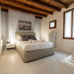 Отель Venetian Exclusive Apartment R&R Италия, Венеция - отзывы, цены и фото номеров - забронировать отель Venetian Exclusive Apartment R&R онлайн комната для гостей фото 5