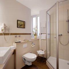 Отель Alpen Hotel München Германия, Мюнхен - 1 отзыв об отеле, цены и фото номеров - забронировать отель Alpen Hotel München онлайн ванная