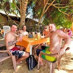 International Beach Hotel & Restaurant бассейн фото 2