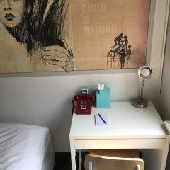Отель Chelsea Pines Inn США, Нью-Йорк - отзывы, цены и фото номеров - забронировать отель Chelsea Pines Inn онлайн удобства в номере фото 3