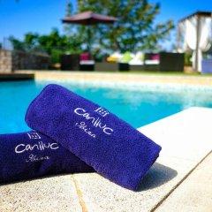Отель Villas Can Lluc бассейн