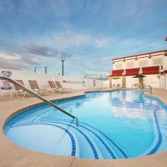 Отель Arizona Charlies Decatur США, Лас-Вегас - отзывы, цены и фото номеров - забронировать отель Arizona Charlies Decatur онлайн бассейн